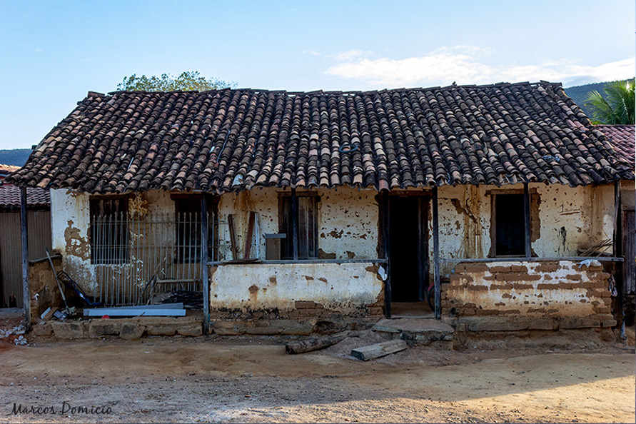 Casa antiga abandonada de Caraguataí