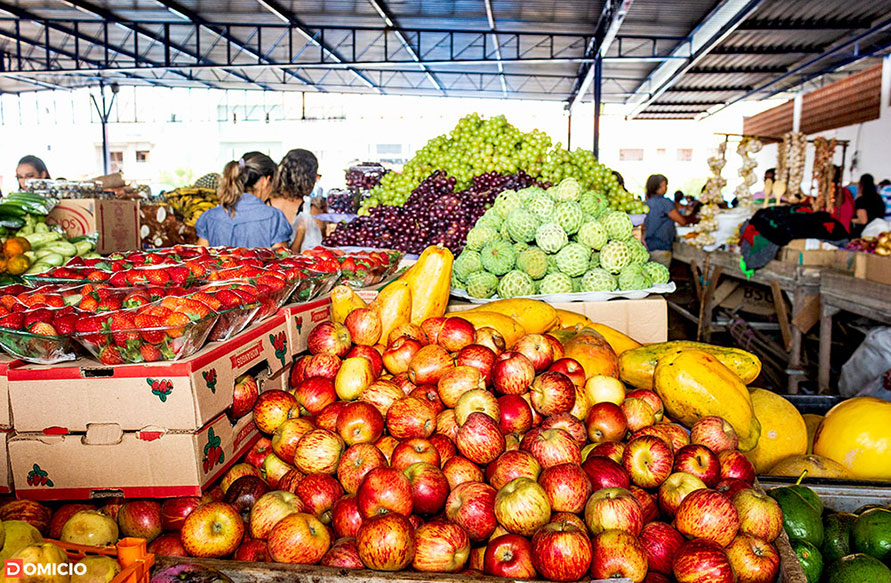 Frutas fresquinhas da feira livre de Paramirim